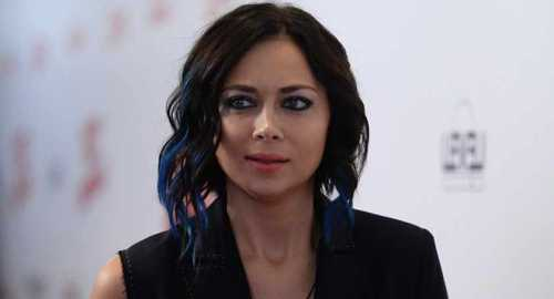 настасья самбурская опубликовала снимок без макияжа